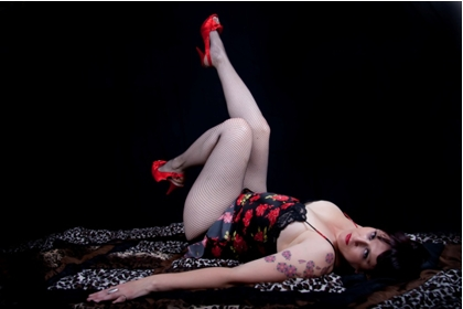Glamour shot by Toya Heatley of burlesque dancer Phoenix Flame.