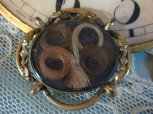 """Look at this Victorian hair brooch! All the different hair colors say to me, """"EVERYBODY DIED"""""""