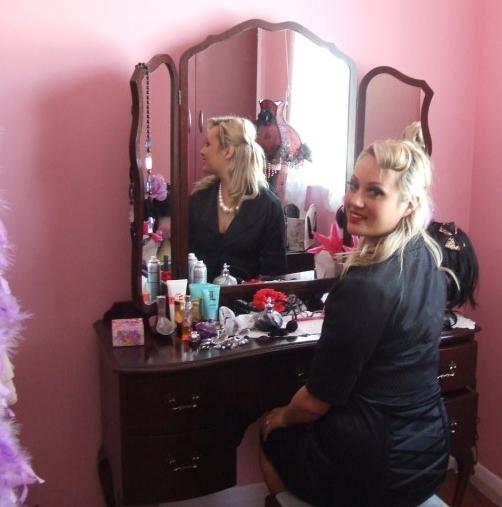 A beauty in her boudoir - BonBon Rocher says hello